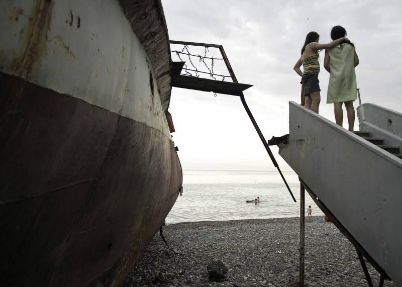 Black Sea, Sukhumi, Abkhazia, 2007. Photograph by Narayan Mahon. © Narayan Mahon Photography.