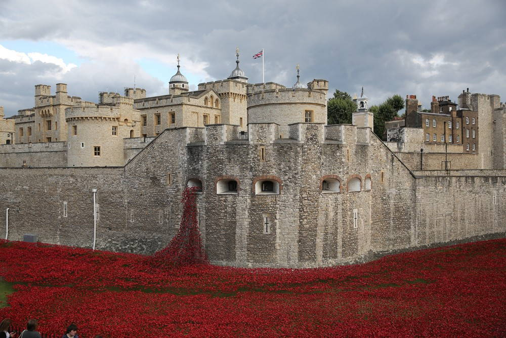 Tower of London, 2014. By Diesel Bob (Own work), CC BY-SA 4.0, via Wikimedia Commons.