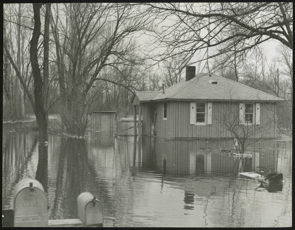 Niedecker Cabin Flooded, 1979. Image courtesy of Jim Furley. Click to enlarge.