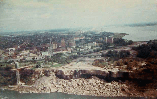 American Falls shut off during erosion control efforts in 1969. PD-US.